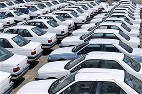 دور زدن قیمت گذاری دستوری در حاشیه بازار خودرو