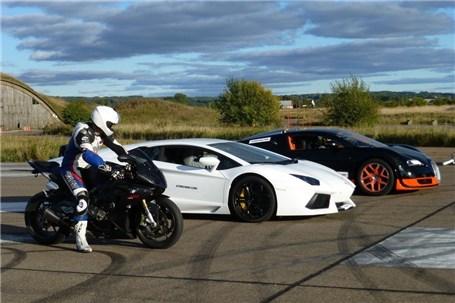 رقابت درگ میان بوگاتی ویرون، لامبورگینی اونتادر و موتور سیکلت BMW S1000RR (ویدئو)