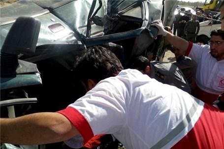 آسیب ۴۵ مسافر در تصادف اتوبوس با سمند