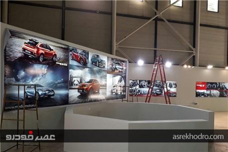 مراحل اماده سازی غرفه مدیا موتورز در نمایشگاه خودرو مشه