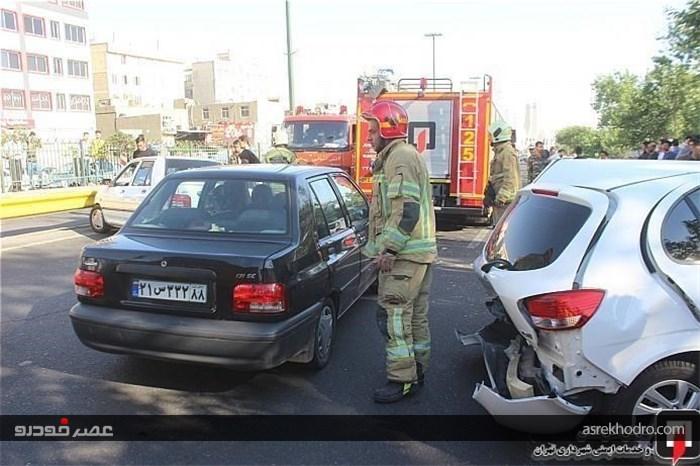 برخورد شدید 3 خودرو 4 نفر را راهی بیمارستان کرد + تصاویر