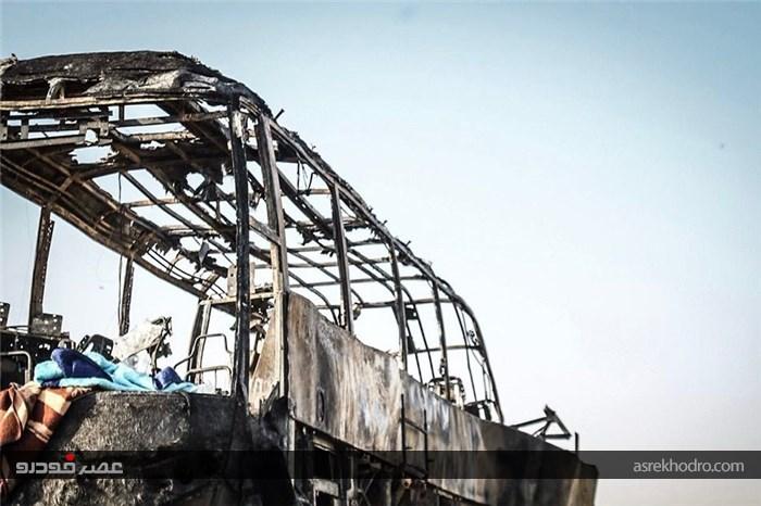 تصاویر دردناک از تصادف اتوبوس و تانکر سوخت در سنندج