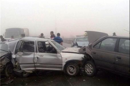 راننده در حادثه زنجیره ای رانندگی سوخت