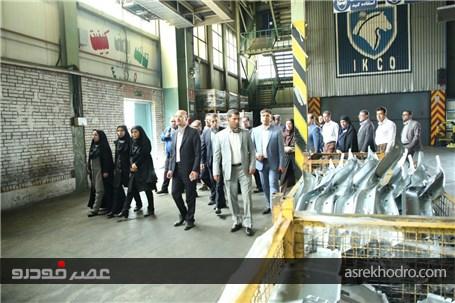 بازدید مدیران روابط عمومی وزارت صنعت، معدن و تجارت از خط تولید شرکت ایران خودرو