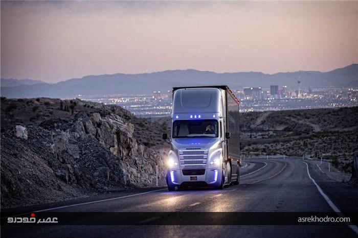 کامیون خودران دایلمر در نمایشگاه محصولات الکتریکی