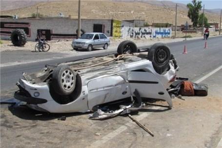 واژگونی خودرو در بزرگراه حکیم جان دو نفر را گرفت