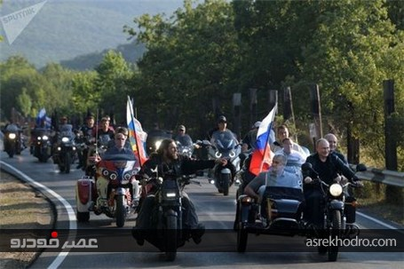 پوتین در نمایشگاه موتورسیکلت کریمه +عکس