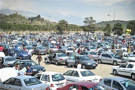 بازار خودرو ریزشی شد، قیمتها عقب نشستند